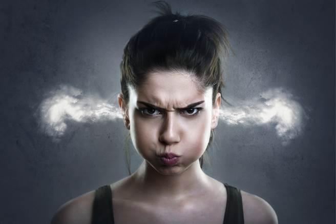 有些女生個性較強勢,且非常易怒,就算犯錯也死不道歉。(示意圖/達志影像)