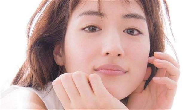 日本女星綾瀨遙。(圖/ 摘自推特)