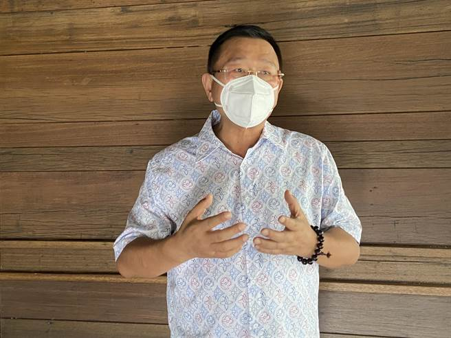 大台中不動產開發公會理事長王至亮表示,向內政部陳情,希望能針對缺工期調整罰款,最後內政部允以可以與消費者協調。(盧金足攝)