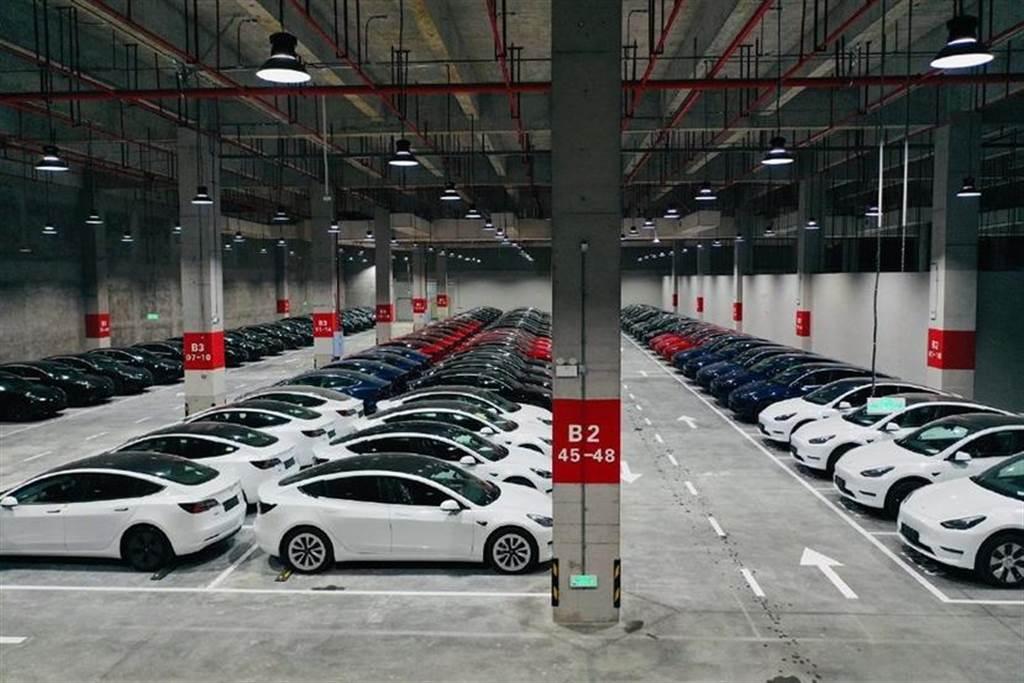 在地供應鏈發威!中國大陸Tesla Model 3 逆勢降價六萬五