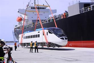 台鐵東部幹線新風貌 EMU3000城際列車到港