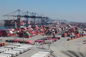 貨櫃爆量美港口瀕崩潰 連倉儲空間也炸了