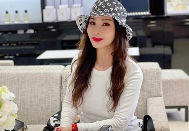 陳美鳳保養得宜,被封為「台灣最美麗的歐巴桑」。(圖/翻攝自陳美鳳臉書)