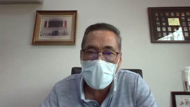 中華民國馬術協會理事長許安成表示,馬術運動競技要追求的就是達到「人馬合一」的境界。