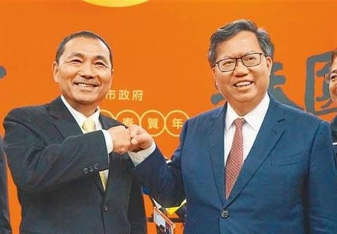 新北市長侯友宜(左)、桃園市長鄭文燦(右)。(圖/中時資料照)