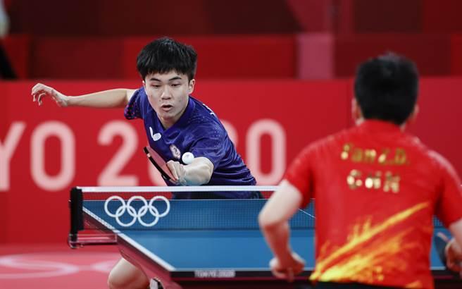 鄧亞萍認為,林昀儒小將比以前打的更加兇狠,力量也更大,也不失他一貫的靈活多變的風格。(圖/美聯社)