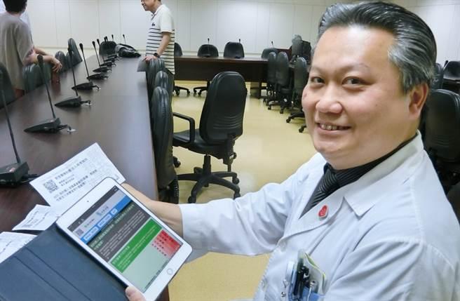 陳志金醫師近來被封為人氣「前線醫護」。(圖/中時資料照片)