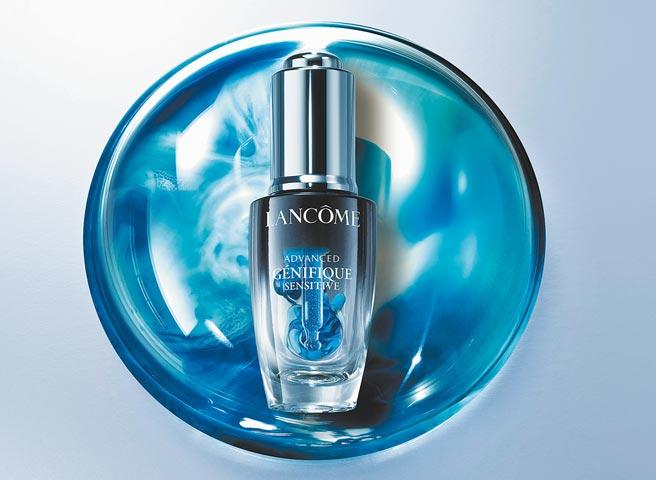 SOGO忠孝館、復興館LANCOME 8月1日新品,超未來肌因活性安瓶3000元。(SOGO提供)