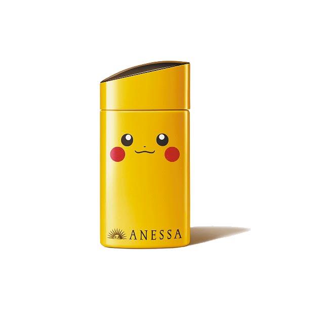 新光三越秋妝新品,SHISEIDO東京櫃安耐曬金鑽防曬露-皮卡丘限量版,950元。(新光三越提供)