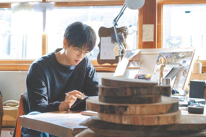 盛駿在片中飾演網路恐怖漫畫作家。(車庫娛樂提供)