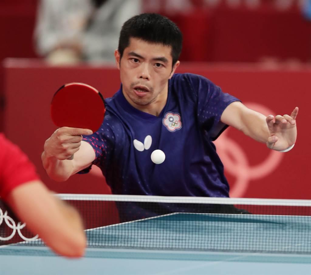 桌球團體賽開打,中華男子隊直落三淘汰克羅埃西亞,莊智淵身兼雙打和第二點單打,責任格外重要。(季志翔攝)