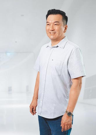 人物剪影-亞崴總經理楊丞鈞、程泰總經理楊舒涵領兵 充分授權專業經理人
