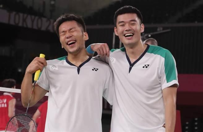 王齊麟、李洋奪下東奧羽球男雙金牌。(圖/季志翔攝)