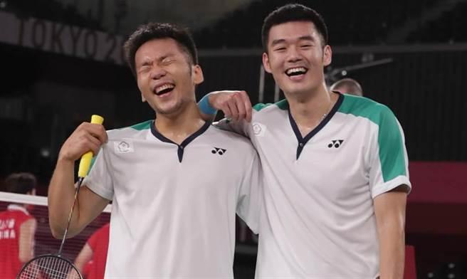 黃金搭檔李洋/王齊麟擊敗大陸組合奪下我國首面羽球奧運金牌。(圖/季志翔攝)