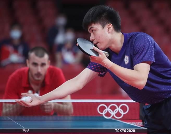 中華男桌頭號單打林昀儒3比0拍退對手。(季志翔攝)