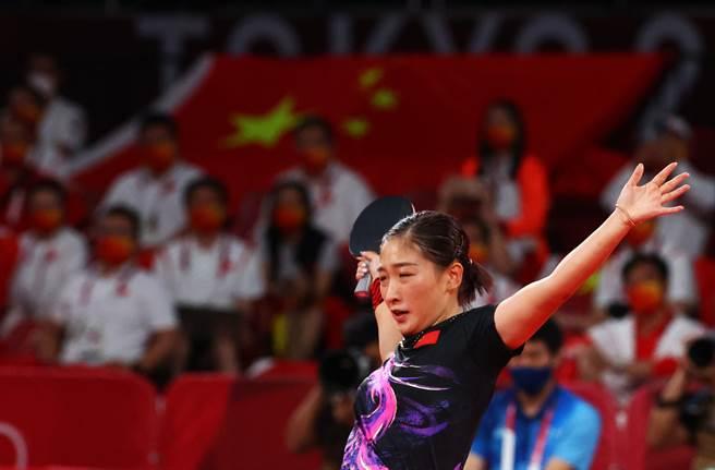 大陸桌球老將劉詩雯因肘傷忍痛退團。(圖/達志)