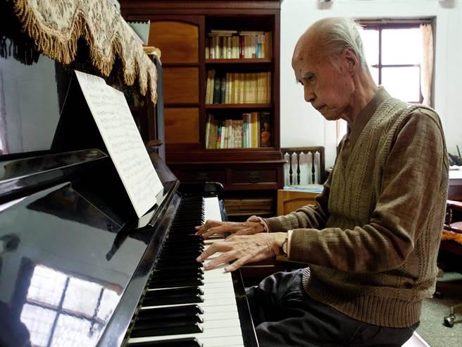 今年是台灣音樂巨人郭芝苑百歲誕辰,苗北藝文中心要獻上最高的敬意與追思。(苗北藝文中心提供/謝明俊苗栗傳真)