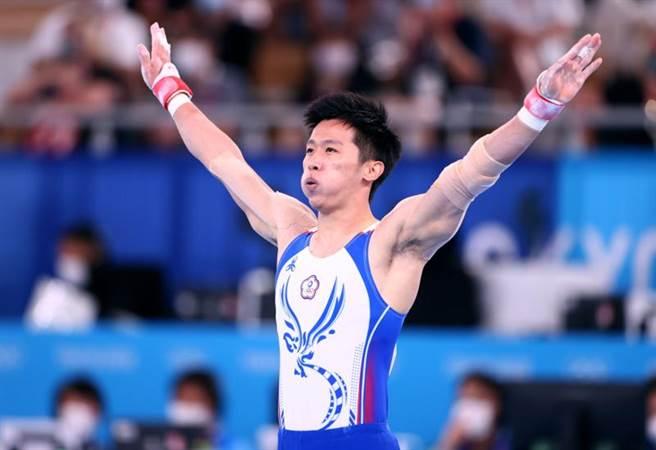 台灣「鞍馬王子」李智凱在拿手的鞍馬決賽完美落地。(路透)