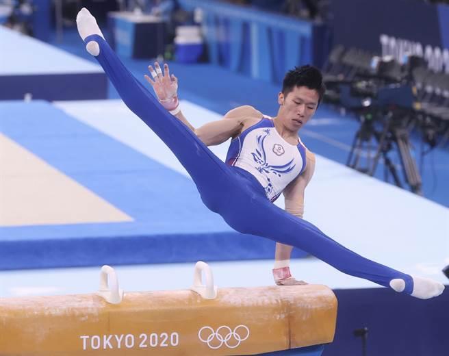 贏過日本不失誤男人 李智凱獲讚開腿太迷人。(中央社)