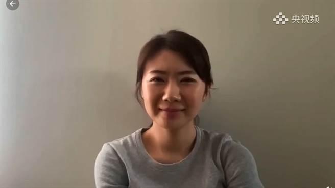 福原愛久違講中文,錄影片祝福因傷退賽的劉詩雯。(圖/翻攝自微博)