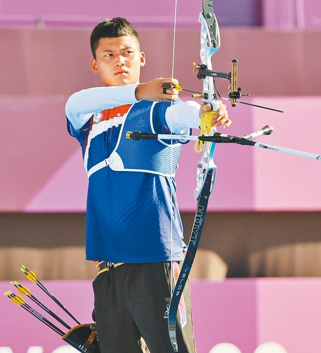 男子射箭銅牌戰,中華隊湯智鈞3比7敗給日本選手,第4名仍創下我國奧運射箭個人賽最佳成績。 (季志翔攝)