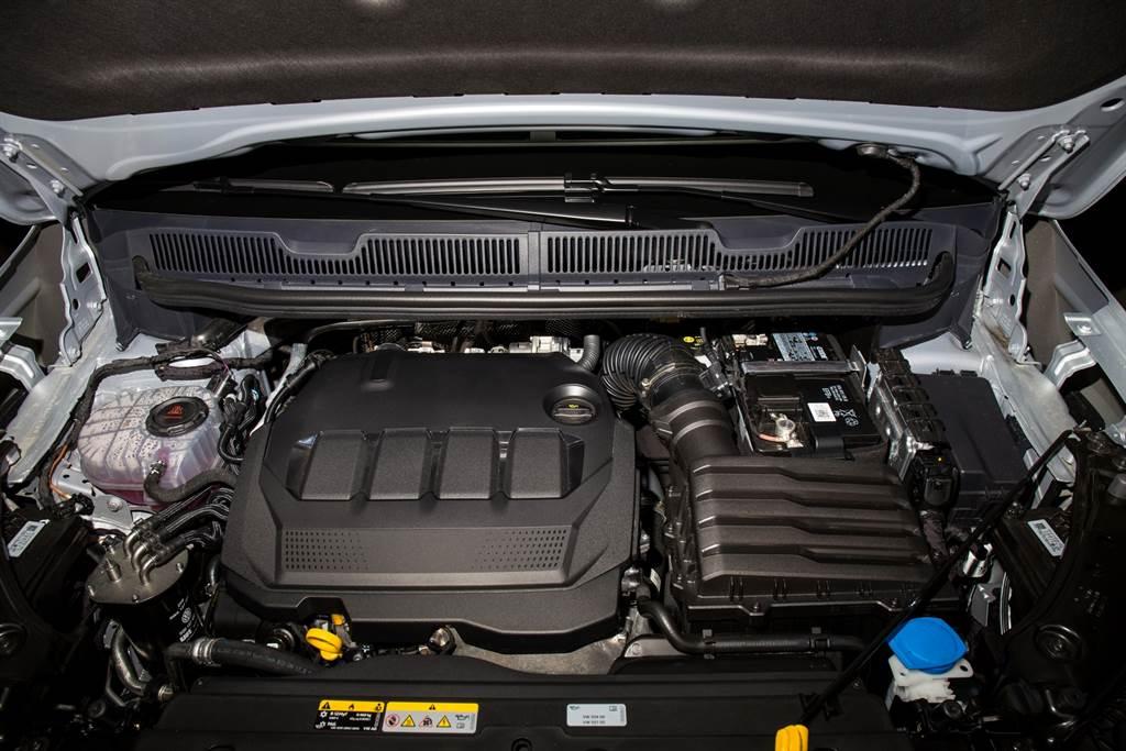 代號為EA288 EVO的新引擎,不僅更環保,動力也有所提升。(陳彥文攝)