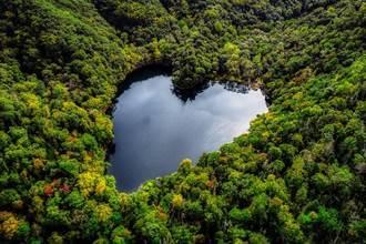 北海道隱藏版愛心秘境 白色戀人取景地「豐似湖」