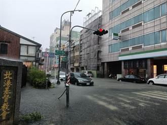 雲林北港全鎮泡水裡 中午12點起停班停課