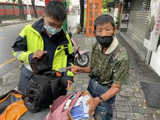 交通局職員忙拍攝長官戶外視察 裝備竟遭路口傳單阿伯偷走