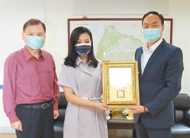 立委高虹安在新竹市籌備服務處,預計疫情後開幕運作。(擷自高虹安臉書/邱立雅竹市傳真)