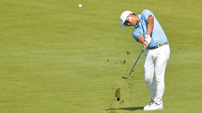 潘政琮昨天第4回合繳出超水準的63桿,進而在加賽擊退6人,勇奪東奧男子高爾夫銅牌。(路透)