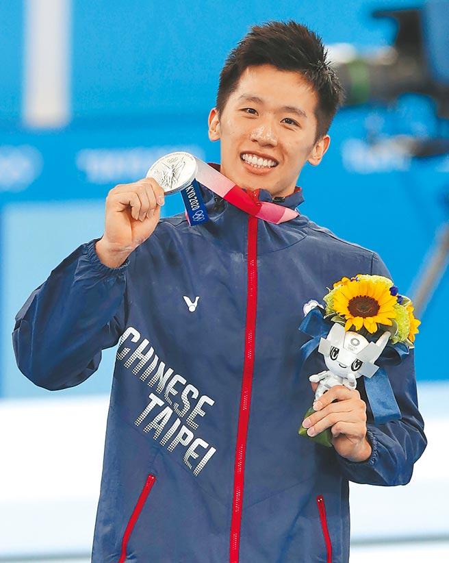 東京奧運體操鞍馬項目,中華隊李智凱拿到銀牌。(季志翔攝)