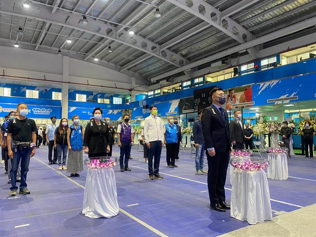 國民黨主席江啟臣今天上午出席新北市議員唐慧琳追思會。(國民黨提供)