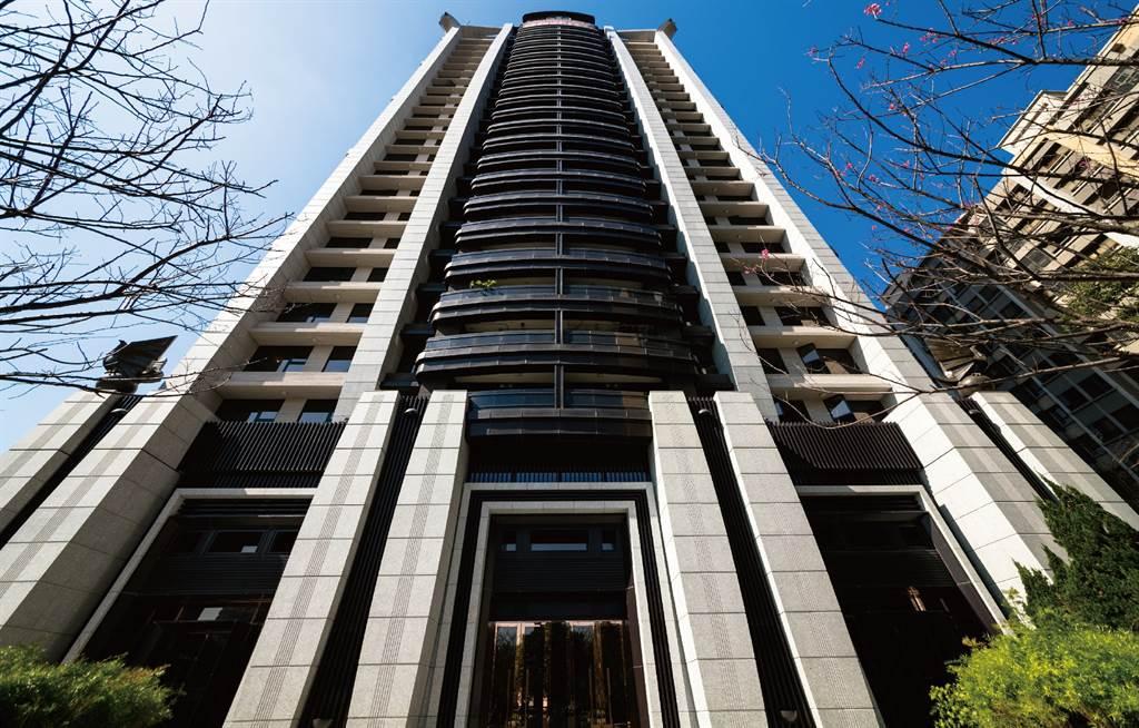 桃園新古屋「定泰翫寶」今年3月交易4樓戶,總價為3500萬元,讓前一手獲利249萬元。(圖/業者提供)