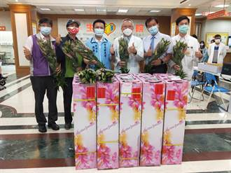 彰化防疫NO.1縣長感謝 贈萬朵百合花給辛苦防疫人員