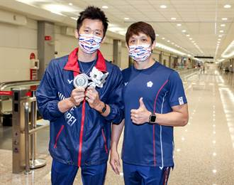 影》帶首面體操獎牌返台 李智凱:這是靠多人努力拚出來的