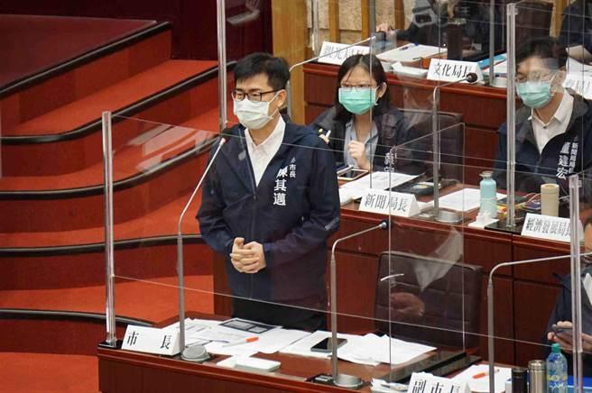 市長陳其邁表示,對此事非常痛心,不會迴避行政管理責任及廠商責任,至於國賠也會全力協助家屬。(柯宗緯攝)