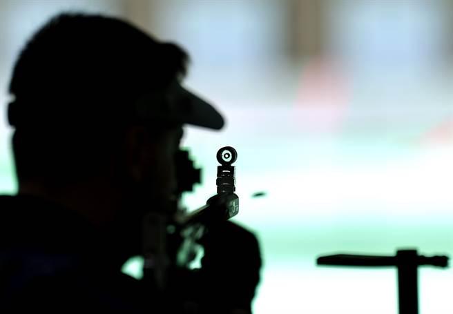 烏克蘭神槍手庫里什(Serhiy Kulish)在東奧上,發生射到別人的靶的失誤。(圖/達志影像)