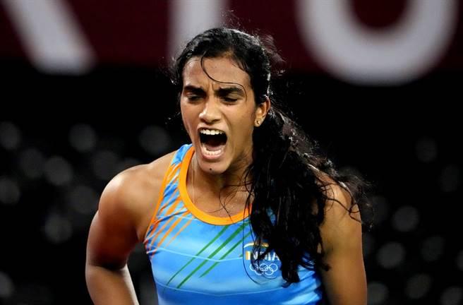 印度羽球一姐辛度奪得奧運羽球女單銅牌後,3日光榮返國後的一項重要行程是和印度總理莫迪(Narendra Modi)一起吃最愛的甜點冰淇淋。(資料照/美聯社)
