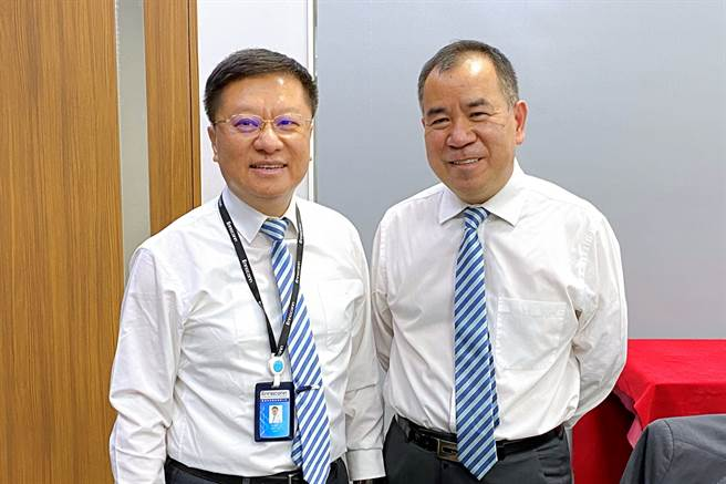 工業電腦廠樺漢董事長朱復銓(左)、總經理蔡能吉(右)。(記者林資傑攝)