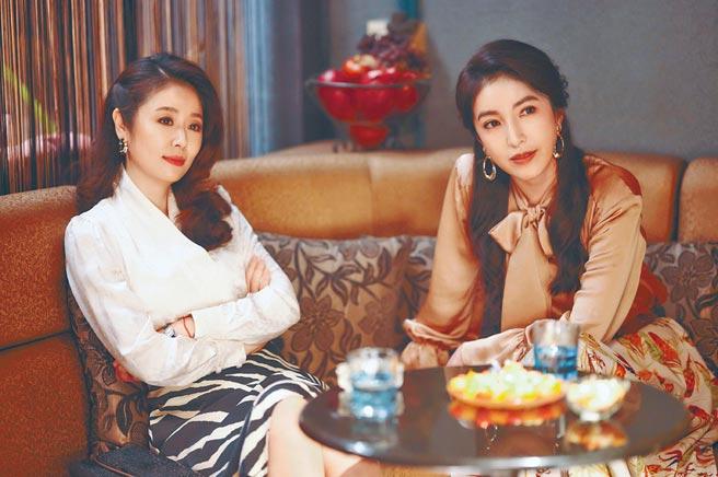 林心如(左)、楊謹華為維持劇中媽媽桑的曼妙體態,拍戲期間特別克制飲食。(Netflix、百聿數碼提供)