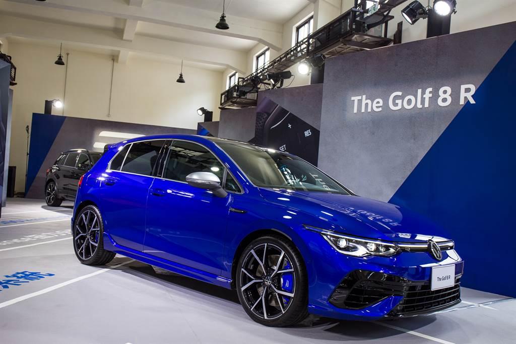 Golf 8 R外觀擁有多處專屬設計,展現與標準版Golf不同的運動氣息。(圖/陳彥文攝)