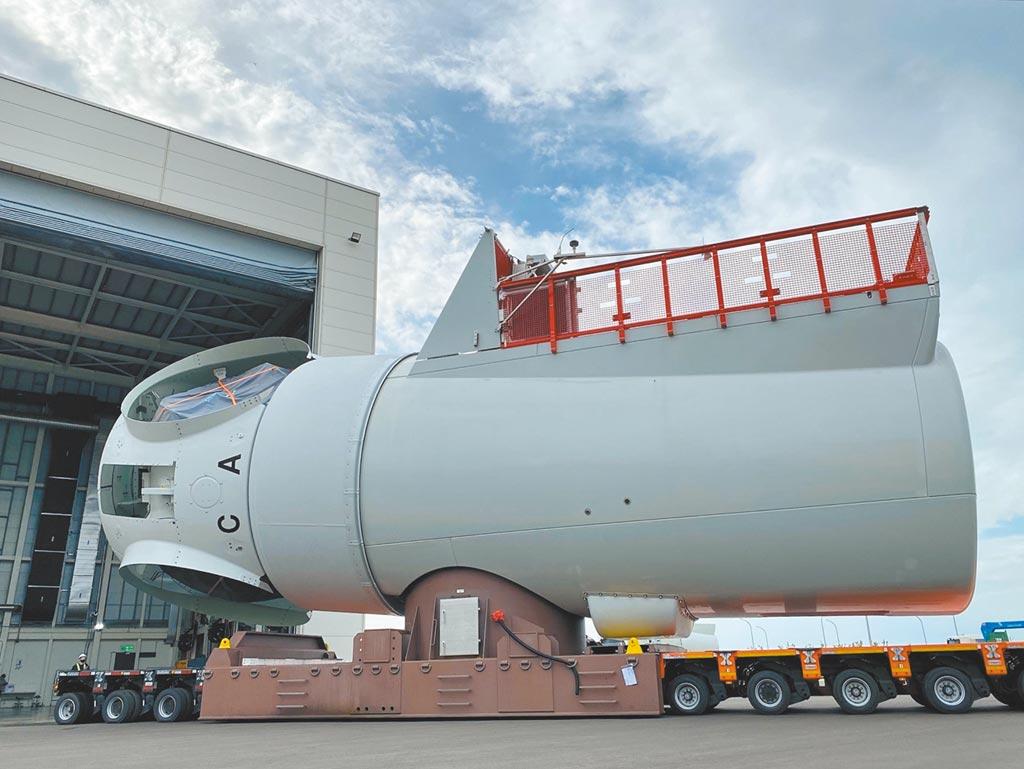 西門子歌美颯台中機艙組裝廠正式投入生產,日前已組裝全台首座在地機艙成為亞洲第一、歐洲以外唯一的離岸風機機艙組裝廠。圖/西門子歌美颯提供