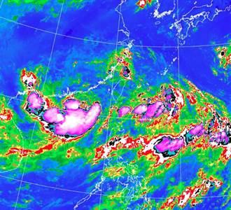 3低壓環繞台灣 恐成雙颱 鄭明典PO一張圖:處在三不管地帶