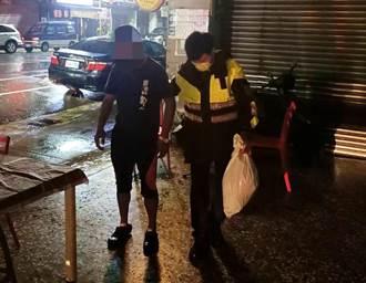 男瘋奧運倒臥彩券行路邊淋雨 只為祈求「遇水則發」中大獎