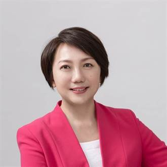 范雲重啟臉書留言出現這罕見一幕 網驚:她明年不用選了