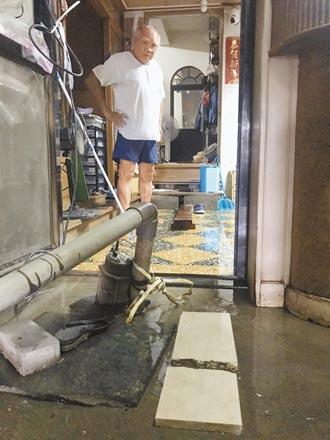 林邊鎮安村積水3天 抽水機也難退水