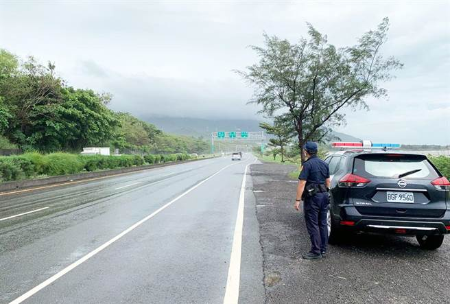 屏東縣警局8月起將超速納為加強稽查重點,盼能降低事故發生。(警方提供/林和生屏東傳真)