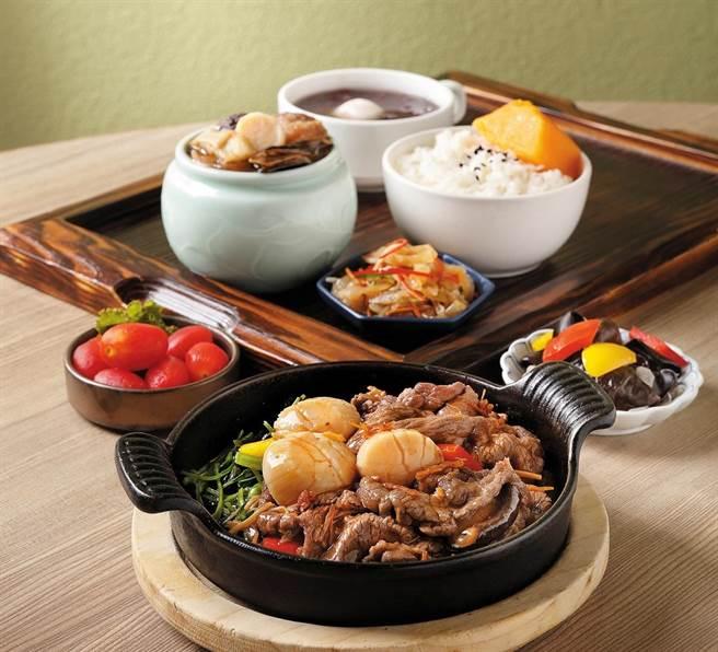 Global Mall新北中和店的欣葉小聚推出限定海陸雙拼獨享餐,單份價值780元,限定價520元。(Global Mall提供)