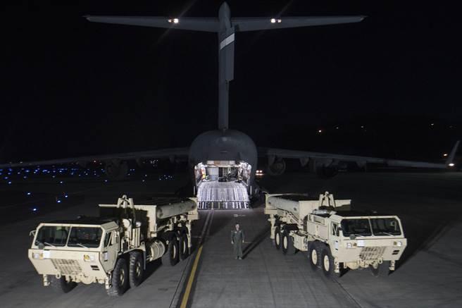 日媒指出,南韓2017年允許美軍THAAD部署至該國,是韓式美妝在大陸人氣衰退的契機。(圖/DVIDS)
